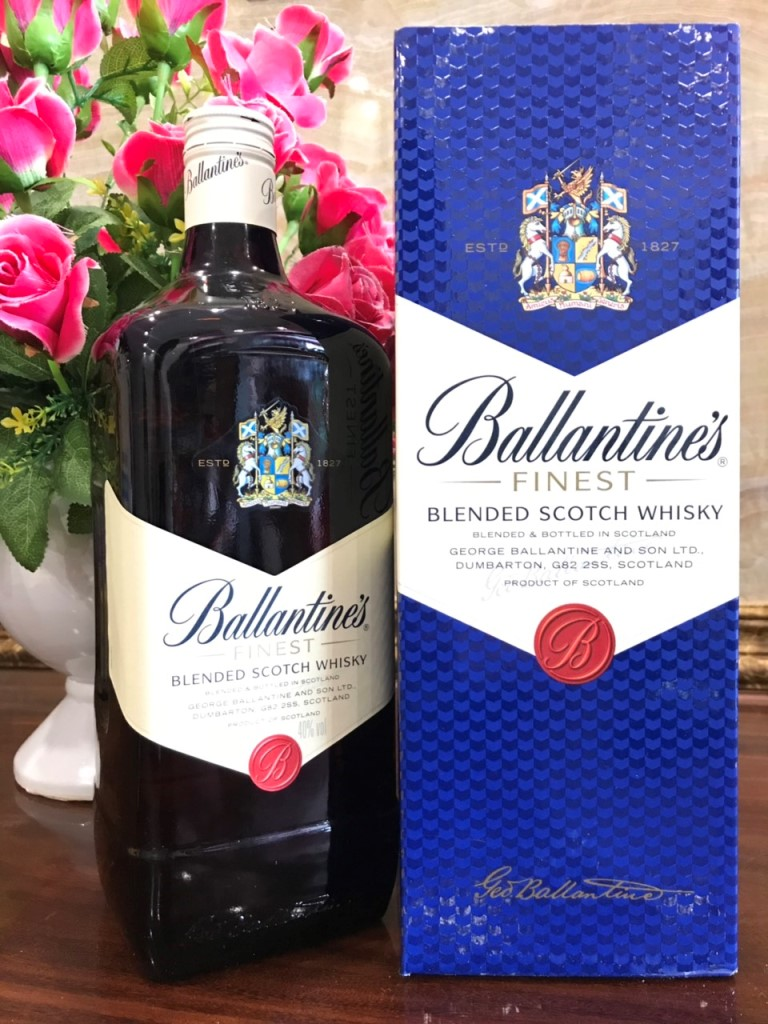 Ruou Ballantine Finest 2 lit hang Au xin