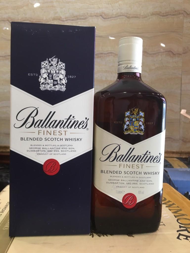 Ruou Ballantines Finest 4