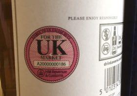 Tem UK là gì? Rượu có tem UK khác biệt gì với rượu không có tem?