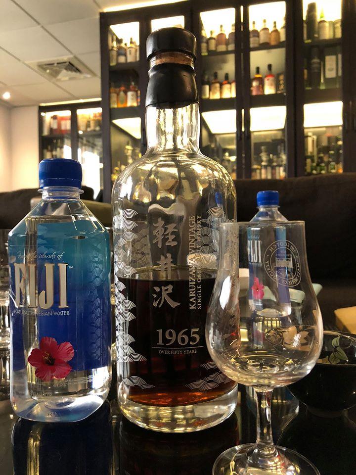 Một chai Karuizawa huyền thoại giá thị trường vào 2018 khoảng không dưới $32.000